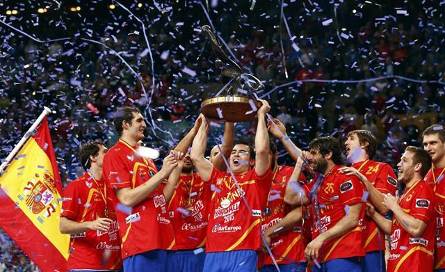 Spanyol öröm, hazai siker a vb-n (Fotók: Reuters)